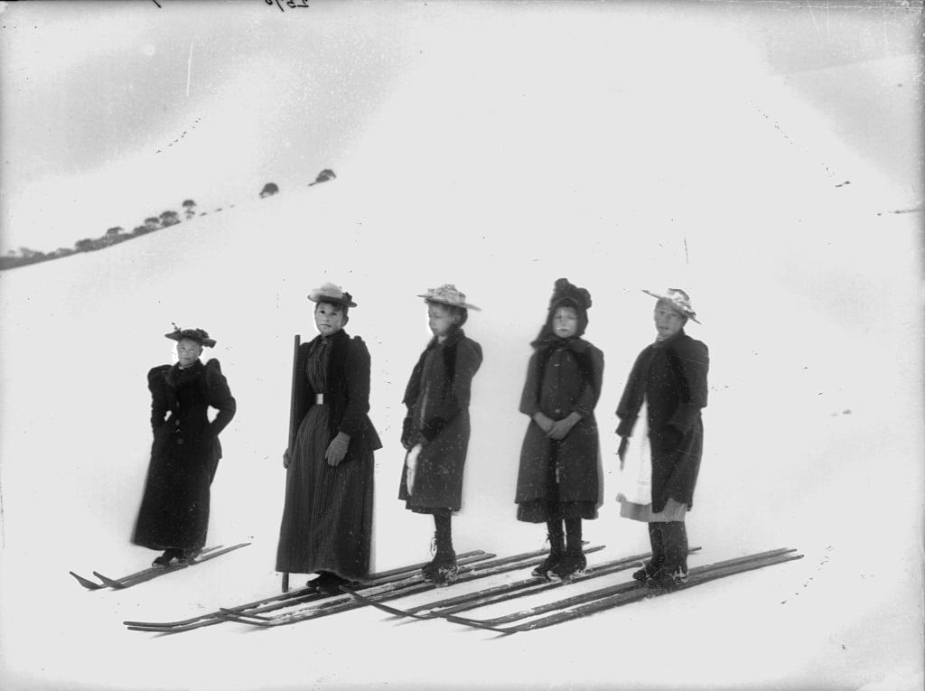 Start of the girls' snow shoe race, Kiandra. Tyrrell Photographic Collection, Powerhouse Museum. Gift of Australian Consolidated Press under the Taxation Incentives for the Arts Scheme, 1985.